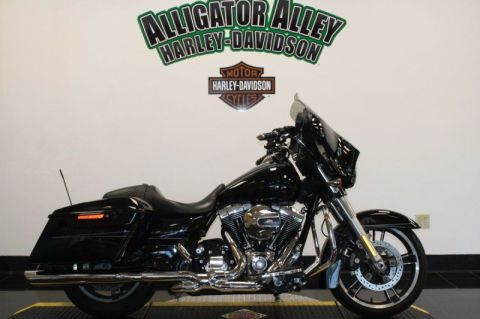Pre-Owned 2016 Harley-Davidson Street Glide Special FLHXS